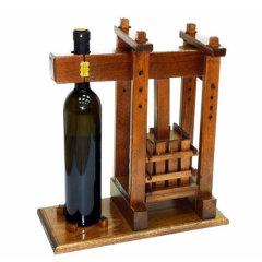 Stalci za vino i vinski motivi