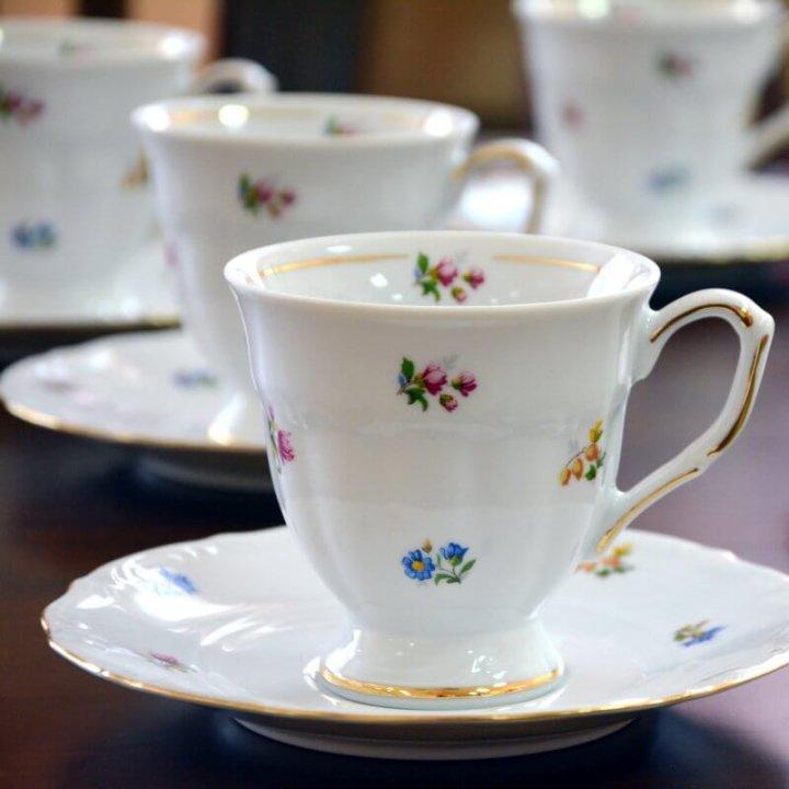 šalice za kavu od porculana