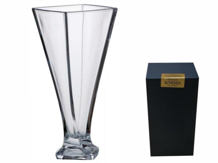 vaza od kristalina
