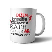 ŠALICA KERAMIČKA S TISKOM DIŽEM KREDITE, PRESKAČEM RATE, PLIVAM U DUGOVIMA 30 CL