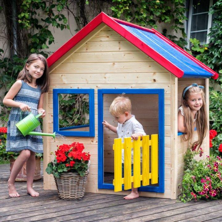 Drvena kućica za igru