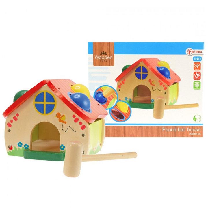 mala drvena kućica