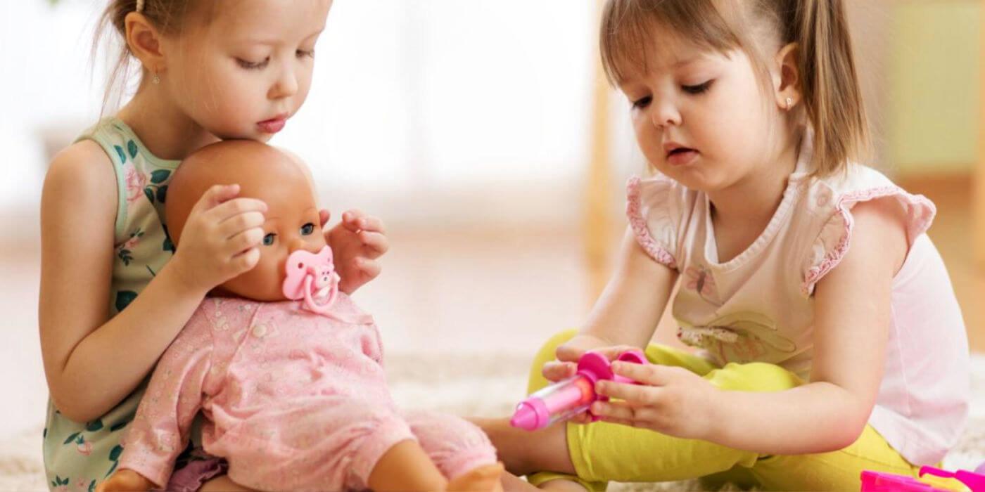 Lutke za djecu i zašto se bebe trebaju igrati s njima